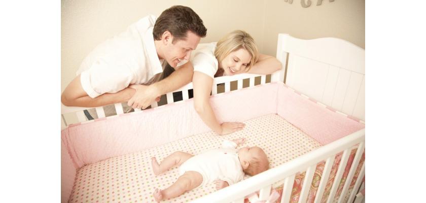 Как выбрать матрас в детскую кроватку по возрасту